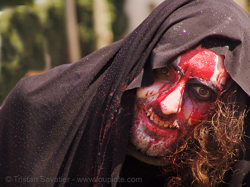 bloody face, bloody jesus, dolores park, easter, fake blood, hunky jesus contest, jesus christ, la pasión de cristo, makeup, man, red, religion, sinnerjee, stage blood, synerjizm, the passion of christ, theatrical blood