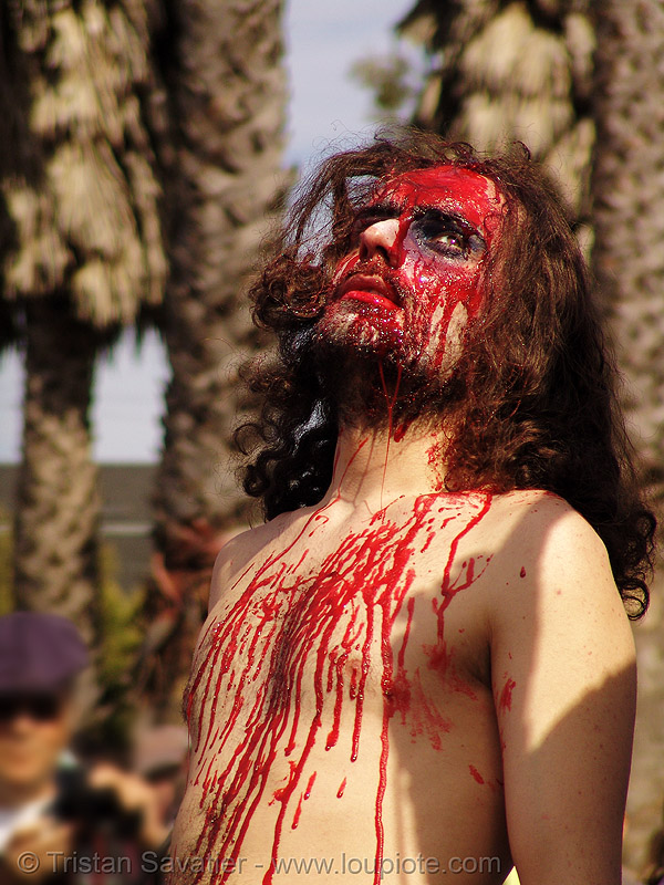 bloody man, bloody jesus, easter, fake blood, jesus christ, la pasión de cristo, makeup, man, red, sinnerjee, stage blood, synerjizm, the passion of christ, theatrical blood
