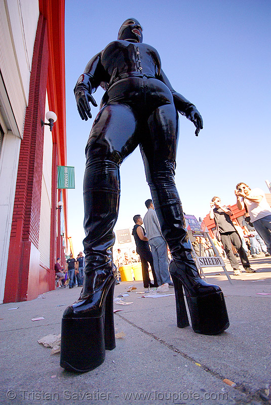 latex bodysuit - folsom street fair 2007 (san francisco), black, bondage, fetish, folsom street fair, gwendolyn, high heel, latex bodysuit, woman