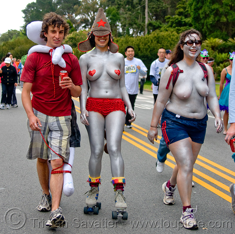 silver women - bay to breaker footrace and street party (san francisco), amn, bay to breakers, body art, body paint, body painting, footrace, roller skates, rollers, runners, silver, street party, topless, woman