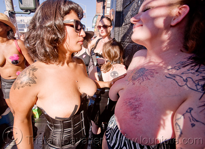 women playing - folsom street fair (san francisco), bruise, bruised, tattooed, tattoos, topless, women