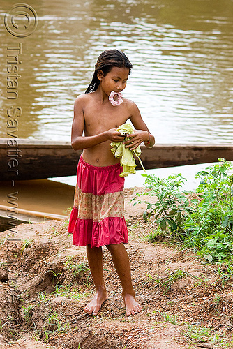 girl near river (laos), child, kid, kong lor, little girl, river bath, river bathing