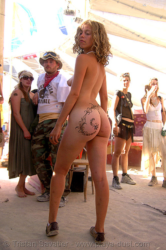 mehndi - henna temporary tattoo - burning man 2007, body art, center camp, gili, henna designs, henna tattoo, mehandi, mehndi designs, naked, nice ass, nude, temporary tattoo, topless woman