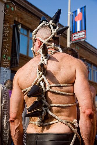 rope bondage - folsom street fair 2009 (san francisco), folsom street fair, japanese bondage, kinbaku-bi, man, rope, sokubaku, 緊縛美
