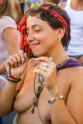 yassmine dancing at decompression 2014 (san francisco), bandana, bracelets, burning man decompression, dancing, finger rings, headband, hippie, jewelry, necklaces, topless woman, yassmine